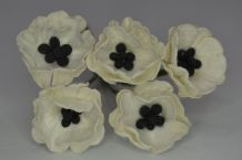 WHITE POPPY / PAPAVER (1.8 cm) Mulberry Paper Flowers